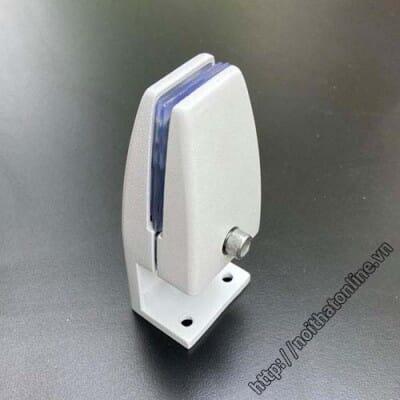 Kẹp vách ngăn kính KV2 | Kẹp kính vách ngăn bàn làm việc